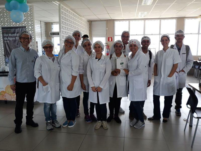 Alunos de Nutrição fazem Visita Técnica na AMBEV